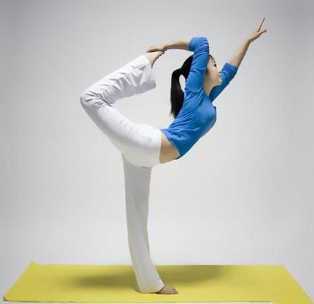 一套矫正中国的瑜伽驼背九招风靡动作_健网李舒桐视频图片