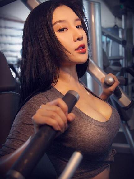 女生去健身房,穿什么.怎么穿衣搭配!