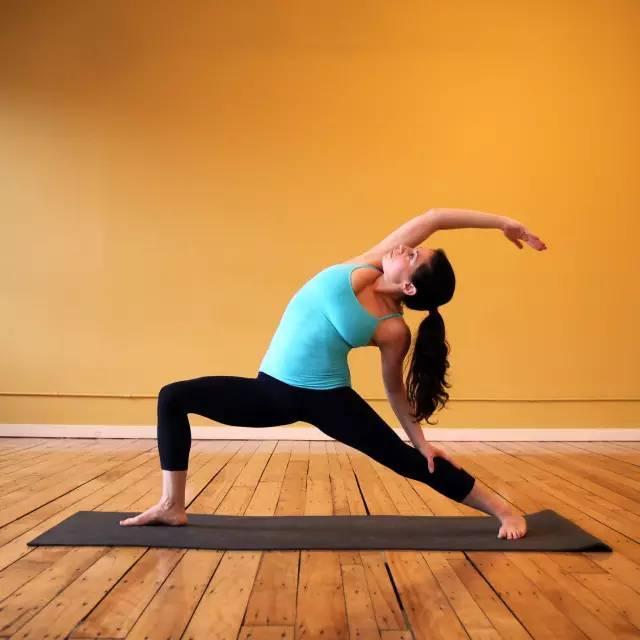 9个瑜伽拉筋动作,告别僵硬,和疼痛说拜拜