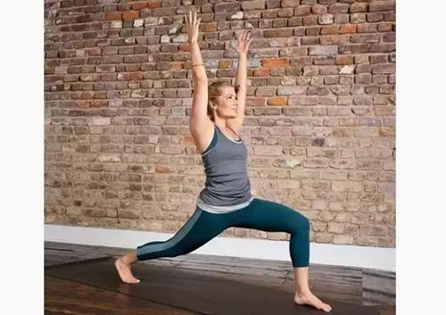 练习序列那么久,这套挑战性的流视频国学,你可瑜伽开心学瑜伽图片
