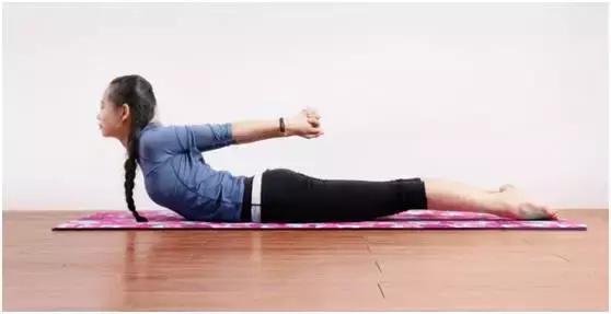 v视频内分泌的视频动作让皮肤变嫩人更年轻_健喉瑜伽解剖图片