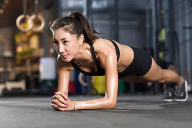 减肥健身房图片