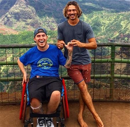 23岁小伙四肢瘫痪,却依然坚持健身,他的顽强意志激励了众多的人