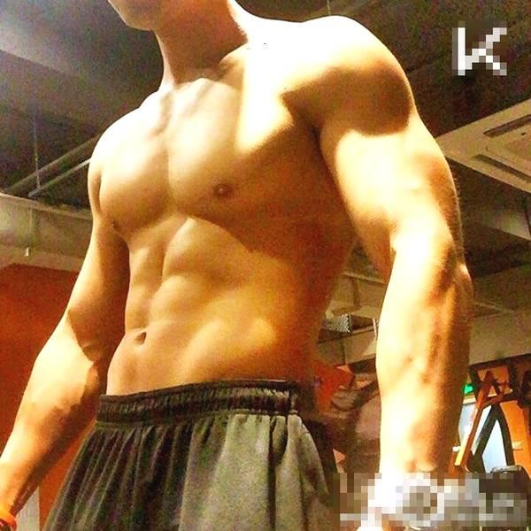 肌肉健身私教最爱早上激战健身房,因为大声嘶喊无人鄙视_健网
