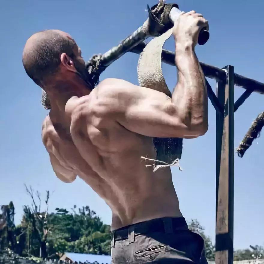 性感腹肌的练就,是健身男神的必备!!!
