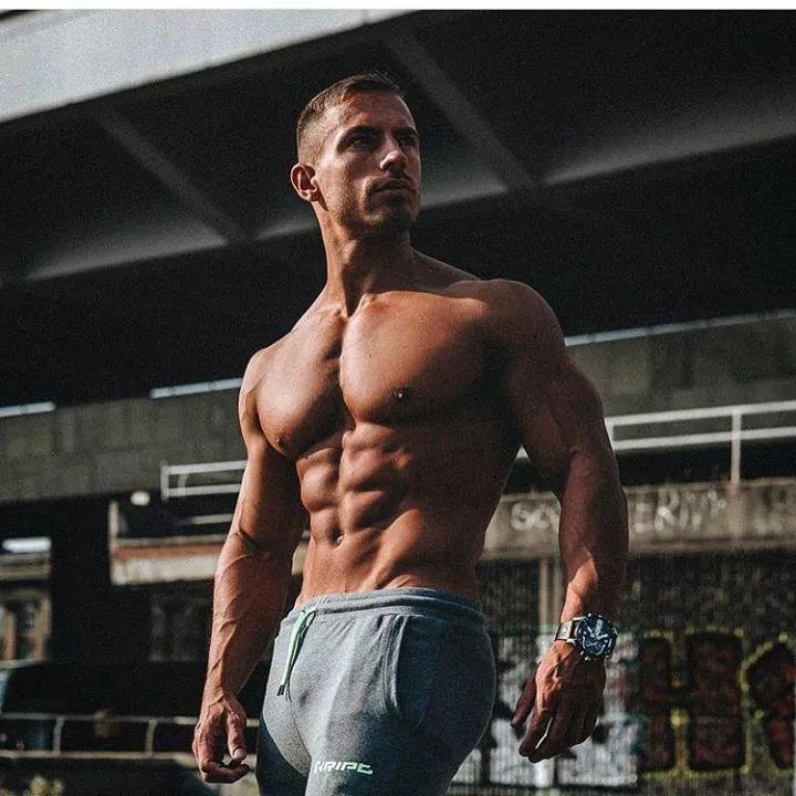 看过这些肉体,就知道我们为什么要健身!