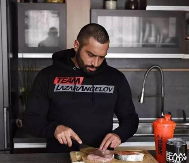 拉扎尔vs大屌哥,训练计划的一天的饮食安排www.nzjsw.com