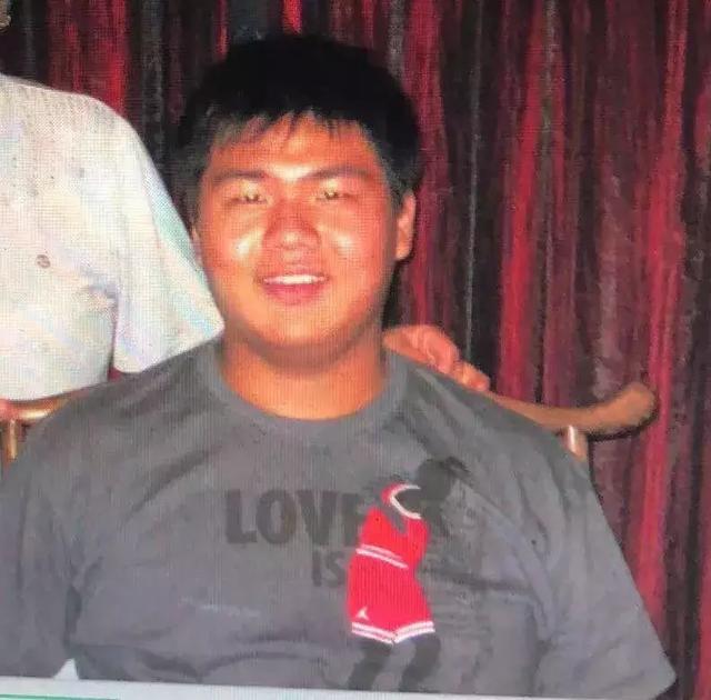 从230斤胖子到肌肉男,他经历了这么多……