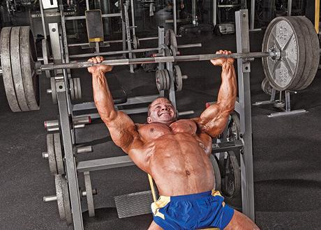 想胸肌像高手那么大,哪些技巧让成为卧推变大神技