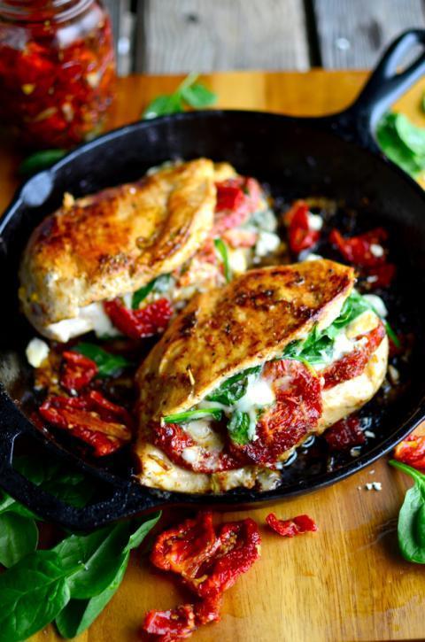 水煮鸡胸难吃极致?4个简单实用方法,做出百吃不厌的鲜嫩鸡胸