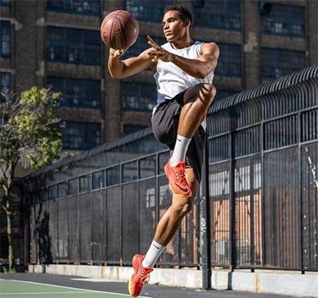 坚持打篮球2年与坚持徒手健身2年的人,身体综合素质差距有多大