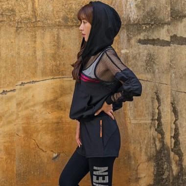 女士瑜伽健身运动服四件套(外套+文胸+短裤+长裤)