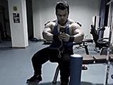 让这位把自己练成了巨兽的教练给爱健身的你指点迷津