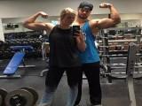 谁说90后娇气,23岁的她击败了癌症还夺回一身肌肉!