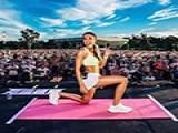 靠自己发明的健身训练法,她成了粉丝百万的网红