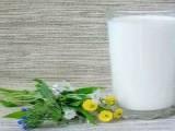 有的牛奶喝起来淡如水,是因为没有营养吗?