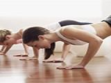 不想去健身房,办公室一族如何徒手增肌?试试这4组简单的动作