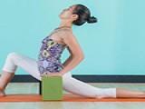 6个延展瑜伽,帮你舒缓肩背酸痛,放松紧绷的腿部肌肉