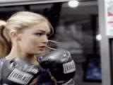 英国《每日邮报》—拳击运动减肥最有效
