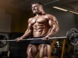 健身行业快速发展,健身教练高薪背后的秘密!