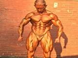 大叔自然健身近30年,几乎练干了脂肪,这样的执着令人佩服