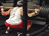 """""""深蹲""""健身动作之王,注意这些细节避免错误才能让大腿更强壮"""