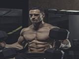 """这样安排健身的""""训练日""""与""""休息日"""",能获得肌肉高效率增长"""