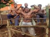 这个非洲小镇遍地肌肉男,带你探寻他们的营养补给来源
