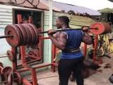 加纳的肌肉小伙们,一言不合就跳舞,在这里不健身连姑娘都不如