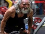 那些年过70岁,依然活跃在健身房的老人,这才是最好的氮泵!