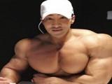韩国猛男黄哲勋再晒肌肉蜕变照,外国网友评论这肩膀太假!