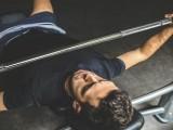 胸部训练时最容易出现的10个卧推错误,请及时纠正!
