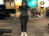 26岁女孩,始终坚持健身训练,让她1米7的身材显得更出众