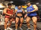 如今健美女子不仅追求肌肉围度,还将体脂率降到了不要命的程度!