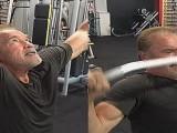施瓦辛格71岁生日还在健身,看这肌肉和眼神,胡子只会让他更帅!