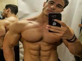 喜欢秀肌肉秀自己,天天刷屏式的显摆身材,肌肉男成为屏蔽对象!