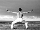 深蹲跟扎马步比起来那个更锻炼性功能