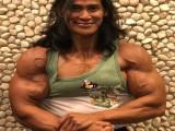 印尼健美之父帮助400斤小伙减肥,2年瘦掉200斤,还是免费的!