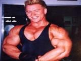 每周使用类固醇是施瓦辛格的200倍,他们练出的身材是什么样?