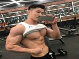 一位学钢琴的非专业健体选手,侧颜很像刘昊然,胸肌腹肌如雕刻