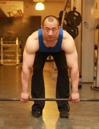 背部肌肉训练之杠铃划船