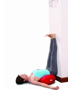 靠墙倒卧式瑜伽一招搞定粗腿!-健网视频大陆谈台湾图片