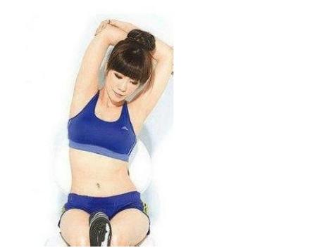 瘦手臂最有效的方法按摩按出纤细完美玉臂