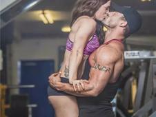 因为肥胖他被女友抛弃,3年后却逆袭成肌肉男模!