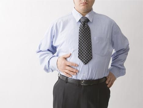 在6个月里,他减掉了100磅!