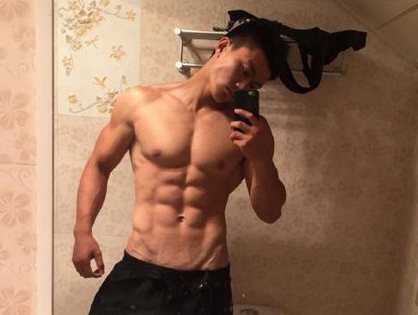 哈工大走出来的肌肉型男,健身蜕变宛如雕刻,现做贴身私教