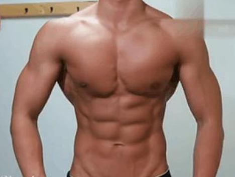 """""""肥肌肉""""vs""""瘦肌肉"""", 小伙坚持减脂4个月后的变化, 太帅了!"""
