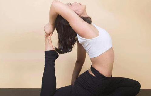 瑜伽让她看到了生命的曙光