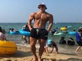 很多小年轻健身只练腹肌,却很少见大叔练腹肌,这是为何?