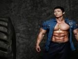 坚持健身17年,他练成韩国最强壮警察,体型块头不输黄哲勋!